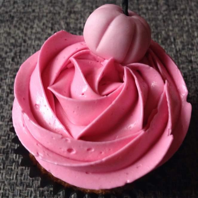 halloween_cupcake_diszites_rozsaszinben_tortaiskola-1 (12)