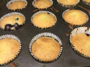 afonyas_cupcake-citromos-cukraszkremmel-tortiskola-1 (2)