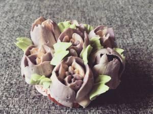 tulipan-dekorcso-tortaiksola-vajkremviragok-1 (11)