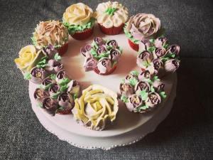 tulipan-dekorcso-tortaiksola-vajkremviragok-1 (13)