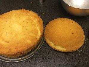 kevert-teszta-tortahoz-felgomb-formaban-recept-tortaiskola-1 (1)