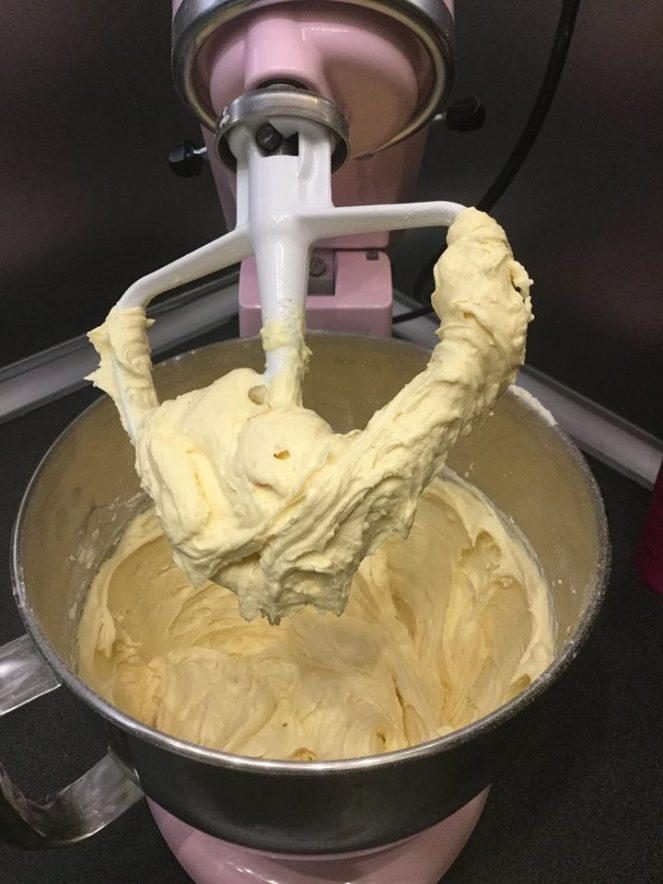 kevert-teszta-tortahoz-felgomb-formaban-recept-tortaiskola-1 (2)