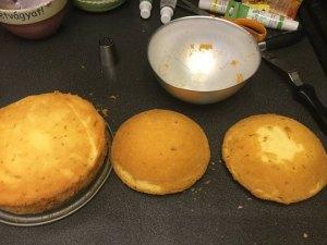 kevert-teszta-tortahoz-felgomb-formaban-recept-tortaiskola-1 (4)