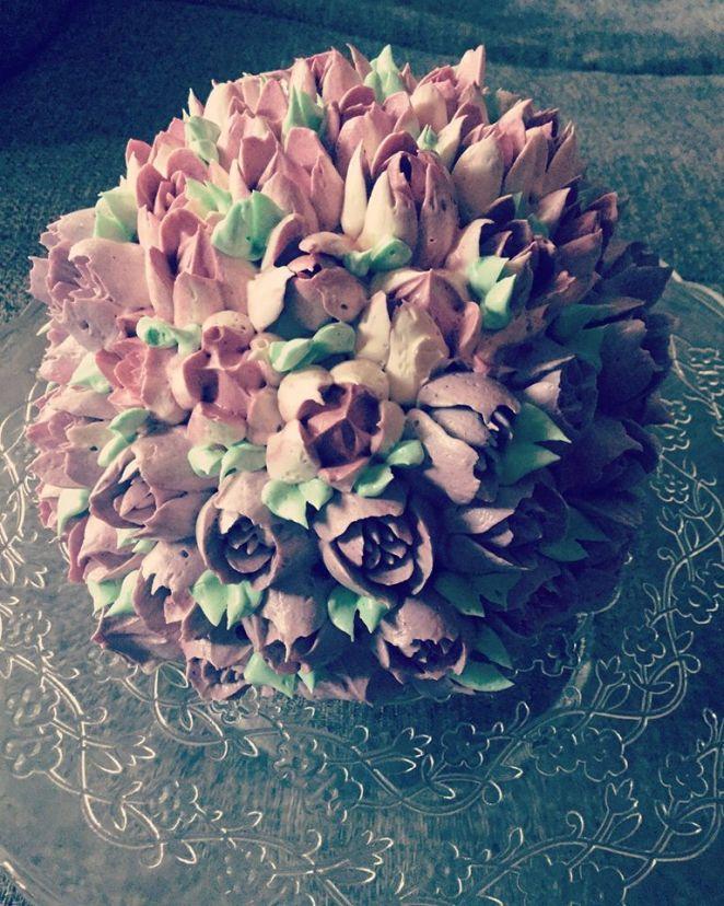 magnolia-dekorcsovel-diszitve-olasz-vajkrem-tortaiskola-1 (5)