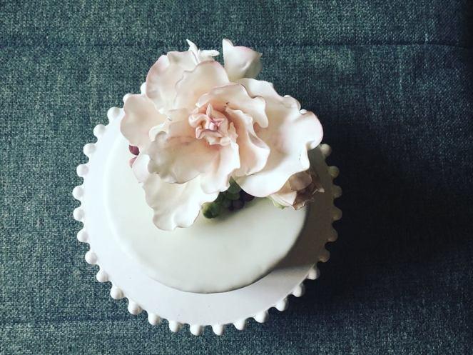zold-citromos-feher-csokis-epres-torta-tortaiskola-1 (2)