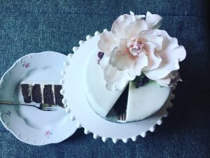 zold-citromos-feher-csokis-epres-torta-tortaiskola-1 (7)