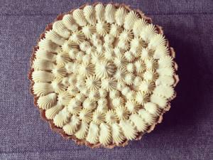 almas-szilvas-pite-cukraszkremmel-tortaiksola-1 (4)