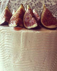 citromos-mezes-joghurt-hab-pisztacia-roppanos-hazi-fuge-lekvar-tortaba-zarva-rusztikus-torta-tortaiskola-glazurshop-1 (11)
