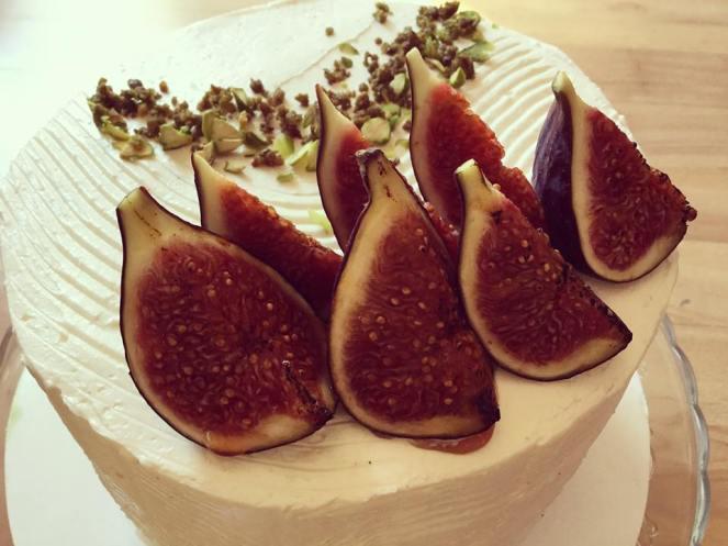 citromos-mezes-joghurt-hab-pisztacia-roppanos-hazi-fuge-lekvar-tortaba-zarva-rusztikus-torta-tortaiskola-glazurshop-1 (2)