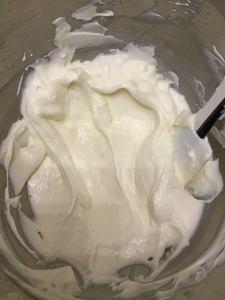 habos-mascarpones-limoncellos-poharkrem-glazurshop-tortaiskola-1-2