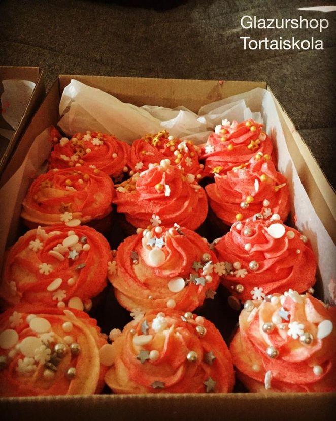 csokolades-cupcake-mezes-cupcake-karacsony-tortaiskola-2